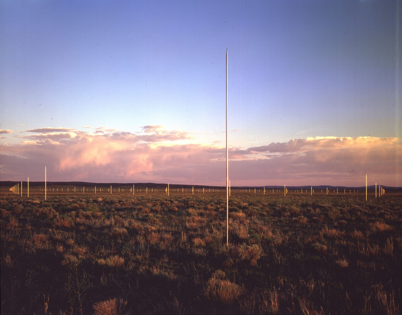 Вальтер Де Мария. Lightning Field. 1977. Лэнд-арт