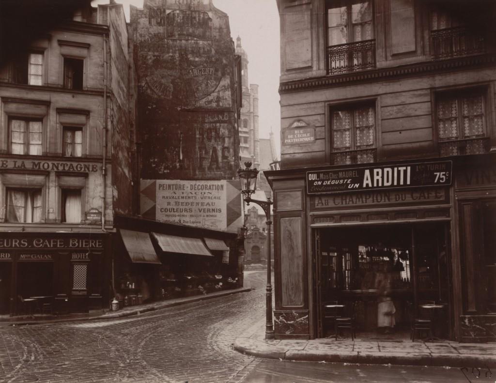 Rue de la Montagne-Sainte-Geneviève, June 1925