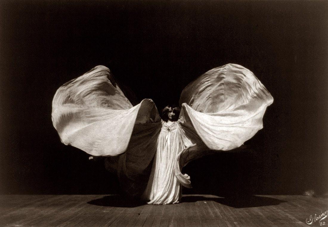Фредерик Гласиер. Портрет танцовщицы Лои Фуллер. 1902