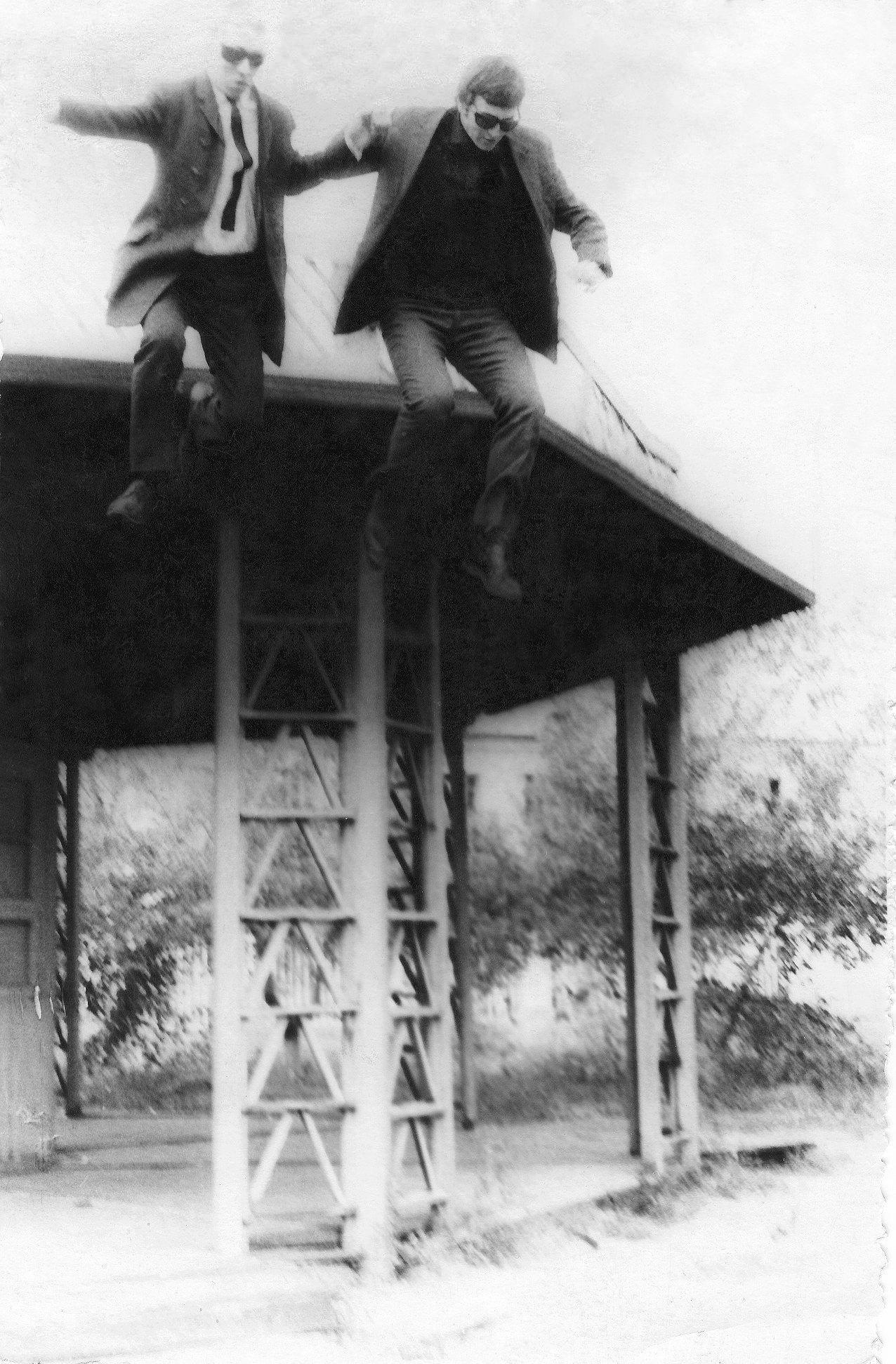 Владимир Кобзев, Юрий Мешковский. Прыжок в полноту. Волгоград, Заканалье, 1967