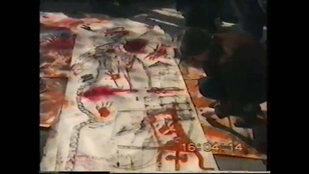 Документация акции группы «Мата-Хари». Волгоград, Аллея героев, 1 мая 1996