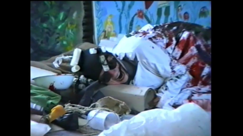 Александр Ванин, Владимир Криволапов.  Перформанс «В ожидании Беккета». Волгоград, ТЮЗ, 1995