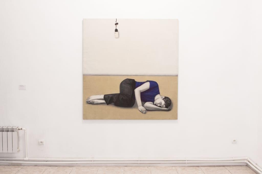 Асмик Мелконян, «Спящий в городе», из серии «Спящий город»; вид экспозиции