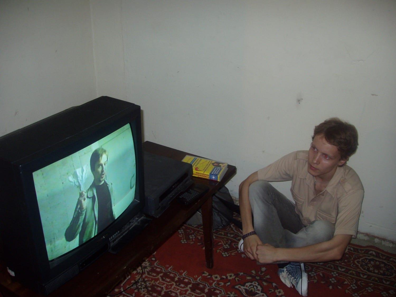 Анна Колосова. Выставка «Магазин на диване». Центр действия «Нога», 2005 // Фото из личного архива Марины Соколовской