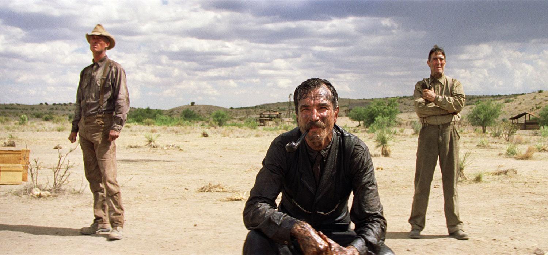 Кадр из фильма «Нефть», 2007 г.