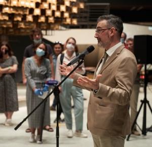 Антонио Джеуза на пресс-показе выставки «Немосква не за горами» в санкт-петербургском ЦВЗ Манеж 6 августа 2020.